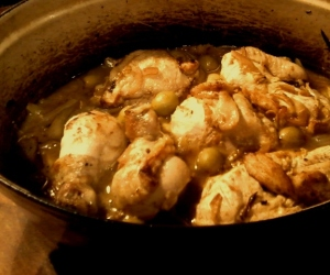 Chicken stew with olives